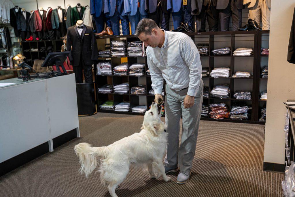 Eberspächer The Tuxedo Den Therapy Dog & Jeffrey